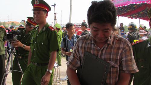 Tuyên án tử hình 2 bị cáo gây thảm án ở Bình Phước - 25