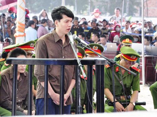 """Vụ thảm án ở Bình Phước: """"Ác gì mà ác dữ"""" - 4"""