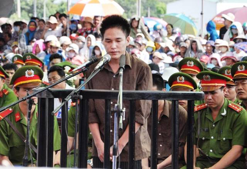 Tuyên án tử hình 2 bị cáo gây thảm án ở Bình Phước - 16