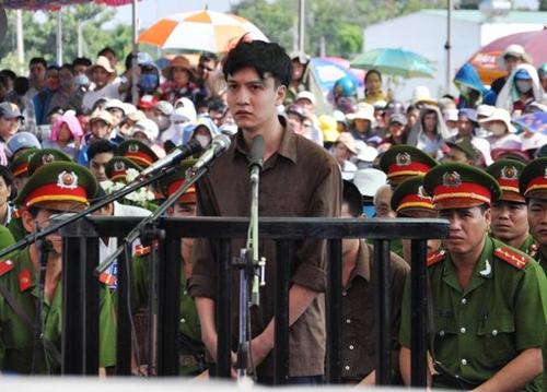Tuyên án tử hình 2 bị cáo gây thảm án ở Bình Phước - 18