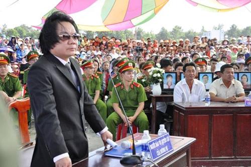 Tuyên án tử hình 2 bị cáo gây thảm án ở Bình Phước - 15