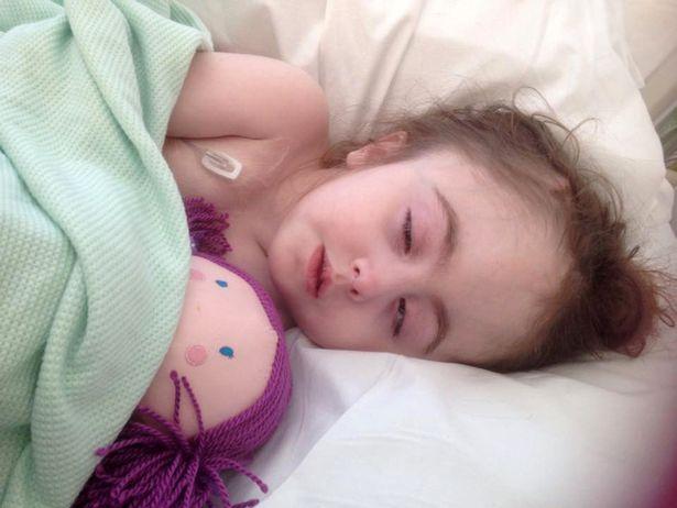 Khâm phục cô bé mắc chứng rối loạn não hiếm gặp - 2
