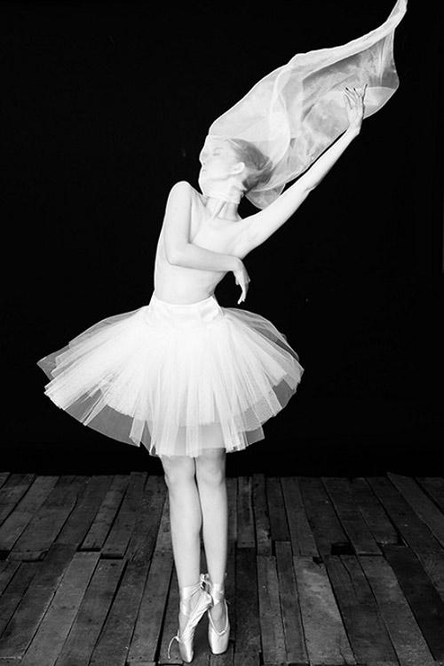 Những shot hình ma mị của diễn viên múa Linh Nga - 11