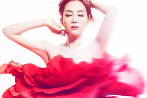 Những shot hình ma mị của diễn viên múa Linh Nga - 9