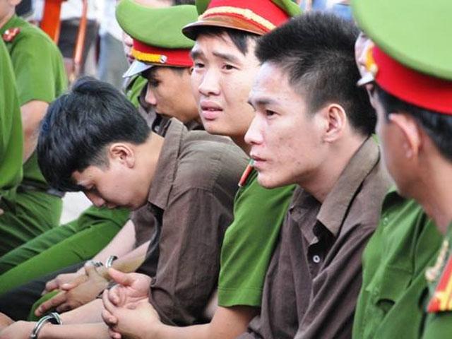 Tuyên án tử hình 2 bị cáo gây thảm án ở Bình Phước - 6