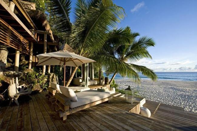 Để có một đêm nghỉ ngơi ở đảo Bắc, Seychelles bạn phải bỏ ra 63.000 đô la (khoảng 1.4 tỉ đồng). Hòn đảo có 11 biệt thự và đầy đủ trang thiết bị cao cấp như spa, phòng tập thể dục, hồ bơi, phòng chơi game…