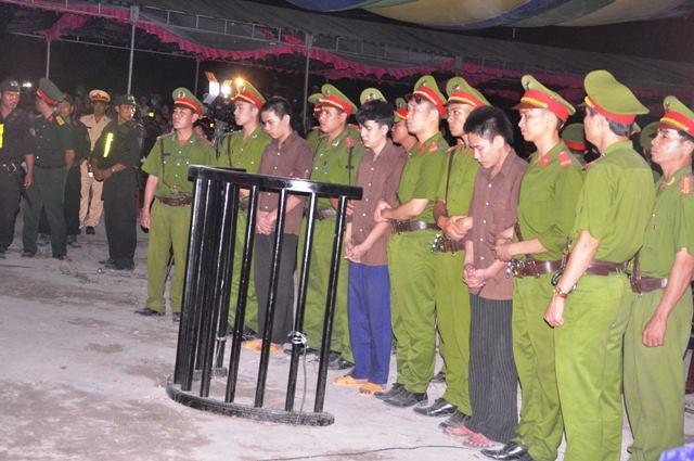 Tuyên án tử hình 2 bị cáo gây thảm án ở Bình Phước - 5