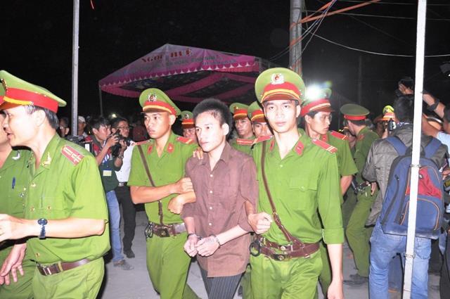 Tuyên án tử hình 2 bị cáo gây thảm án ở Bình Phước - 3