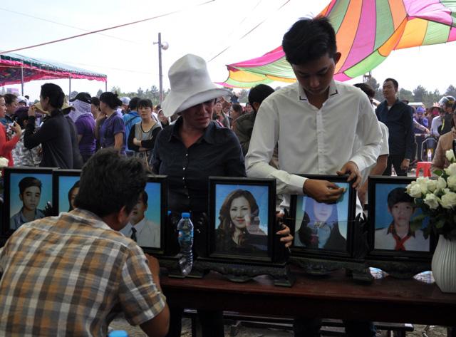 Thảm án ở Bình Phước: Sát thủ đứng không vững khi nhận án tử - 16