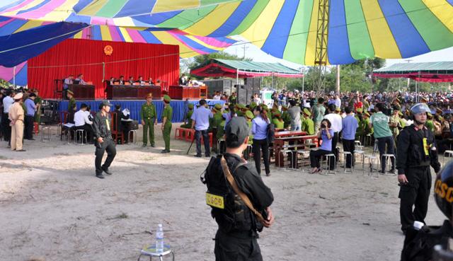 Thảm án ở Bình Phước: Sát thủ đứng không vững khi nhận án tử - 6