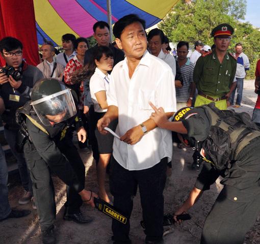 Thảm án ở Bình Phước: Sát thủ đứng không vững khi nhận án tử - 7