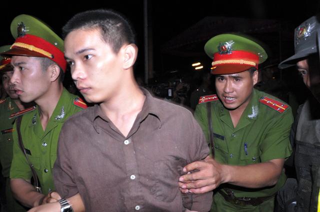 Thảm án ở Bình Phước: Sát thủ đứng không vững khi nhận án tử - 22