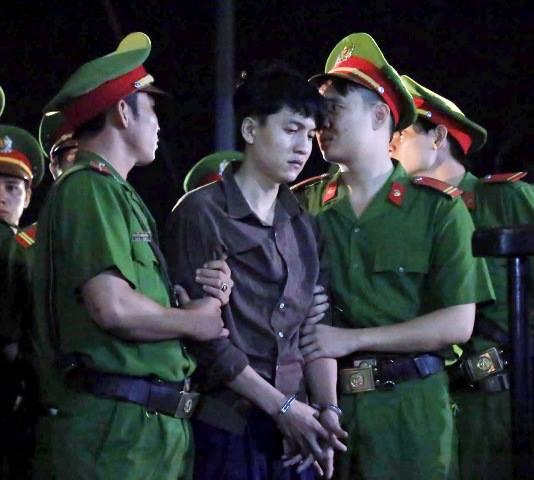 Thảm án ở Bình Phước: Sát thủ đứng không vững khi nhận án tử - 21