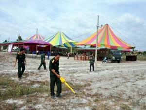 An ninh Xã hội - Rà bom, mìn khu vực xét xử vụ thảm án ở Bình Phước
