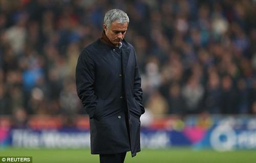 Mourinho - Chelsea: Từ thiên đàng xuống địa ngục - 4