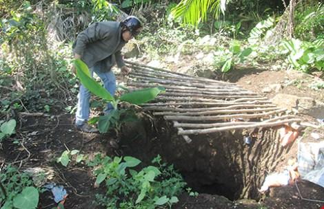 Đột nhập hầm vàng lậu giữa rừng cấm - 2