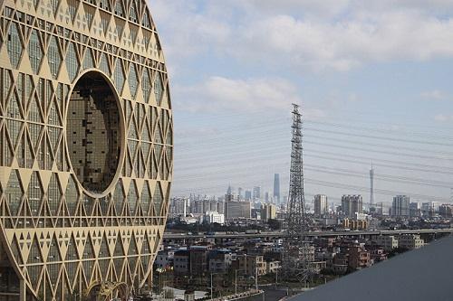 """Ngắm 4 tòa nhà tròn xoe """"độc"""" nhất thế giới - 3"""