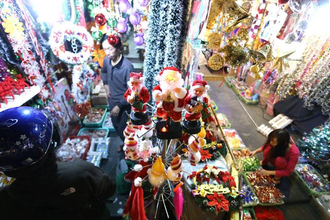 Cây thông mini đắt khách mùa Noel - 12