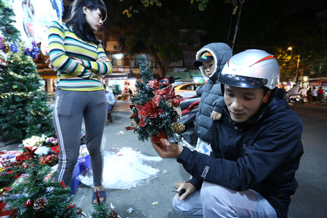 Cây thông mini đắt khách mùa Noel - 6