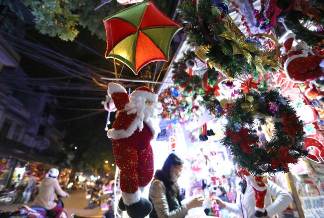Cây thông mini đắt khách mùa Noel - 9