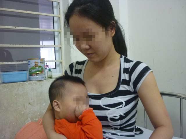 Bé 8 tháng tuổi nhập viện sau khi đón về từ nhà trẻ - 1