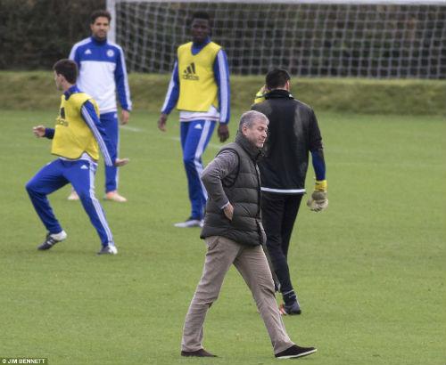 CHÍNH THỨC: Chelsea bổ nhiệm Hiddink thay Mourinho - 4