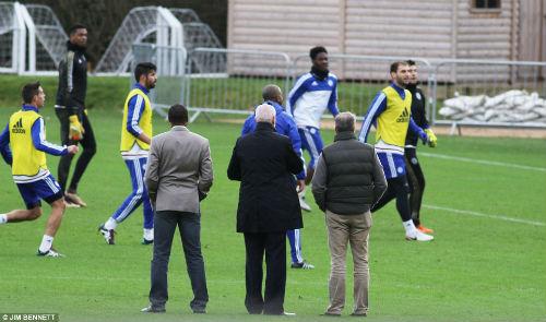 CHÍNH THỨC: Chelsea bổ nhiệm Hiddink thay Mourinho - 5