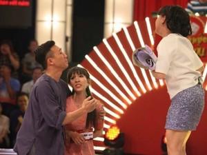 Mặt sau cánh gà - 3 thí sinh 'Thách thức danh hài' khiến Trấn Thành quỳ lạy