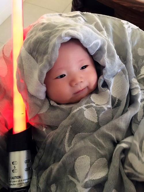 Ông chủ Facebook đăng ảnh con gái diện đồ 'Star Wars' - 6