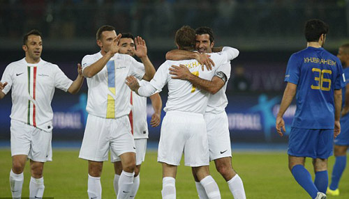 Đội siêu sao Becks, Nesta, Figo tỏa sáng ở Kuwait - 5