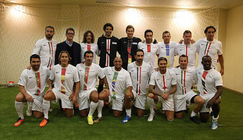 Đội siêu sao Becks, Nesta, Figo tỏa sáng ở Kuwait - 1