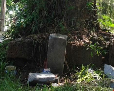 Bí ẩn những ngôi mộ kỳ lạ trên núi Bửu Long - 6