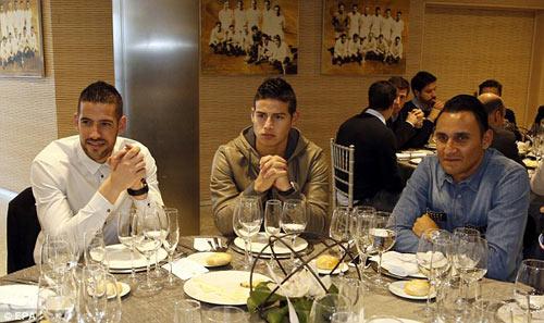 Real: Bữa tiệc Giáng sinh ảm đạm của Ronaldo, Bale - 6