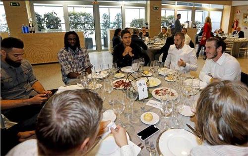 Real: Bữa tiệc Giáng sinh ảm đạm của Ronaldo, Bale - 7