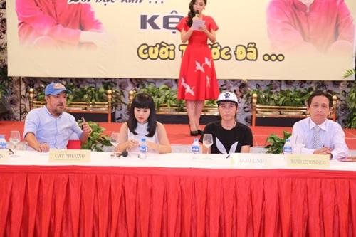 Mr. Đàm liên tục ôm hôn bố con Hoài Linh - 6