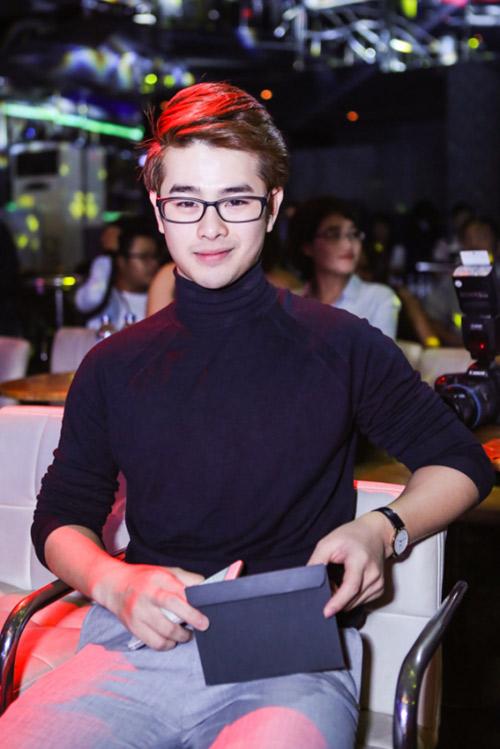 Hoài Lâm xấu hổ khi xem MV 18+ - 6