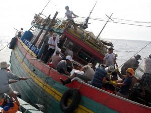 Tin tức trong ngày - Tàu cá cùng 6 ngư dân mất tích trên biển hơn 10 ngày