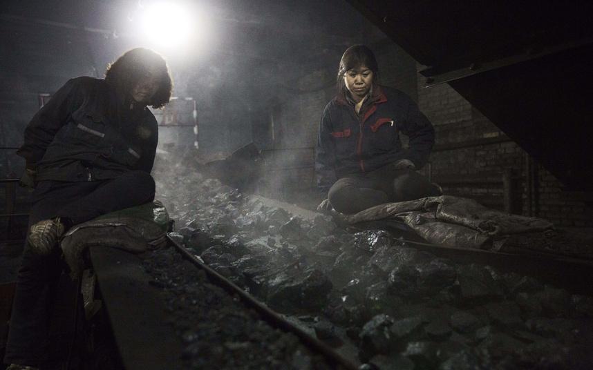 Ảnh: Cuộc sống tại nơi ô nhiễm bậc nhất thế giới ở TQ - 8