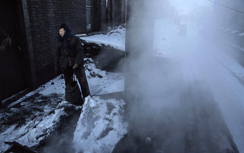 Ảnh: Cuộc sống tại nơi ô nhiễm bậc nhất thế giới ở TQ - 9