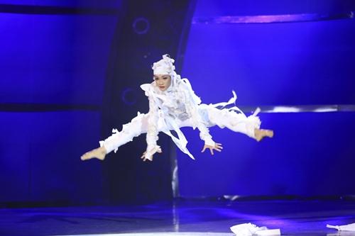 Nữ vũ công đầu tiên giành giải thưởng 500 triệu đồng - 8