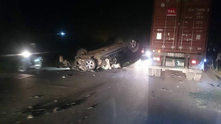 Lái ô tô X5 tông thẳng xe CSGT, 1 chiến sĩ nhập viện - 2