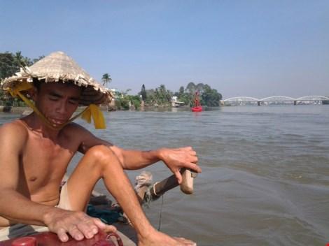 """Kỳ lạ trụ đá trên sông Đồng Nai được dân gọi là """"ông Một"""" - 4"""