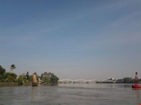 """Kỳ lạ trụ đá trên sông Đồng Nai được dân gọi là """"ông Một"""" - 5"""