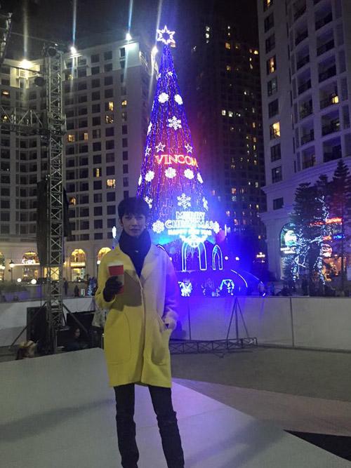 Facebook sao 20/12: Hé lộ tình mới của Mạc Hồng Quân - 13