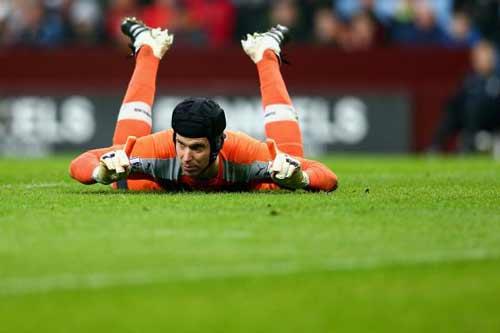 Đọ đội hình Arsenal – Man City: Khác biệt ở Ozil - 2