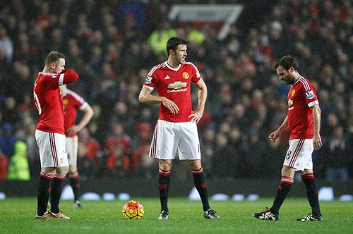 """Van Gaal: """"Mourinho sẽ thay thế tôi dẫn dắt M.U"""" - 1"""