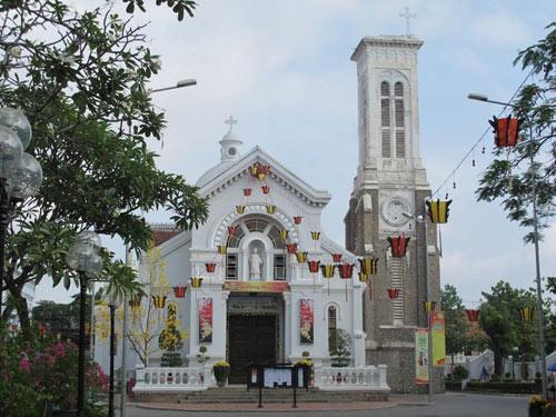 Những nhà thờ đẹp nhất để đón Noel ở Sài Gòn - 5