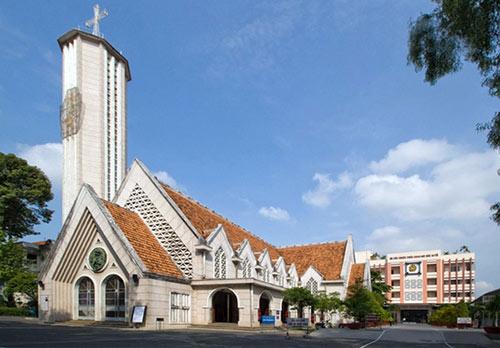 Những nhà thờ đẹp nhất để đón Noel ở Sài Gòn - 6