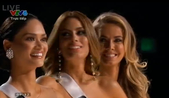 Tân hoa hậu Hoàn vũ thế giới ngỡ ngàng khi đăng quang - 10