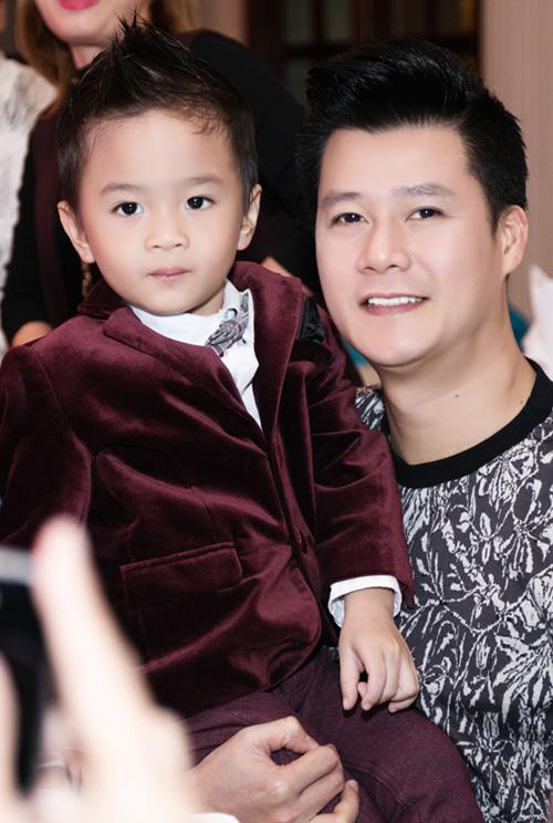 Quang Dũng ôm nựng con trai Thanh Thảo - 6